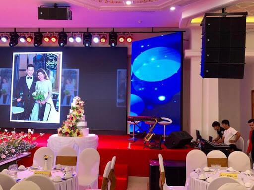 thi công màn hình led nhà hàng tiệc cưới